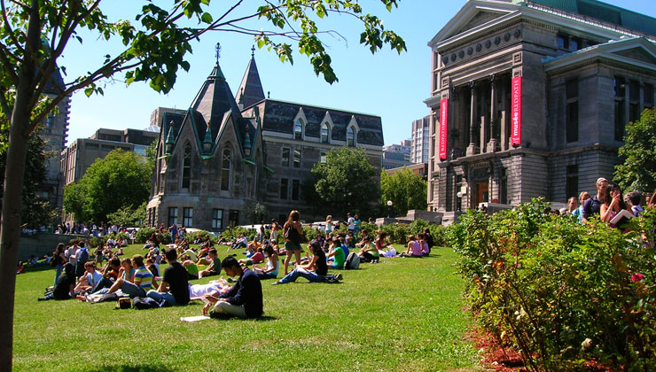 Top universities in Canada always attract large numbers of students